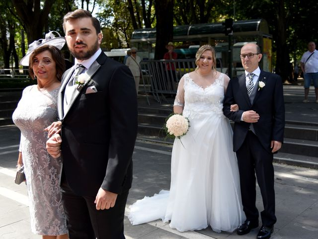 La boda de David y Edurne en Pamplona, Navarra 1