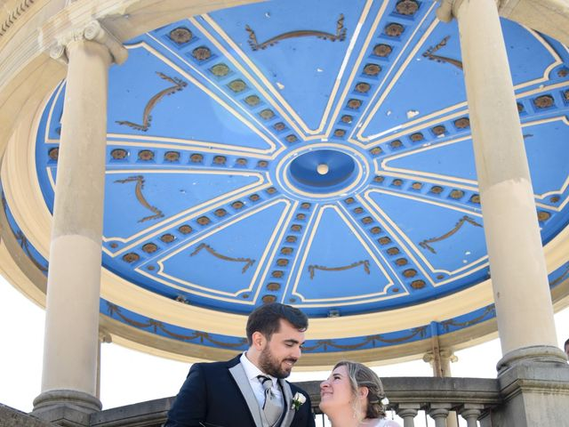 La boda de David y Edurne en Pamplona, Navarra 16