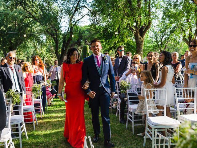 La boda de Carlos y Ana en Madrid, Madrid 33