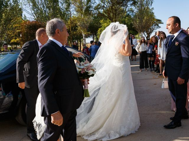 La boda de Angel y Victoria en Pajares De La Lampreana, Zamora 8