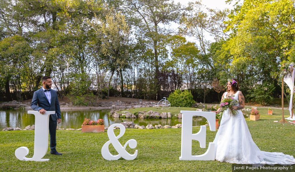 La boda de Javi y Esther en Riudellots De La Selva, Girona