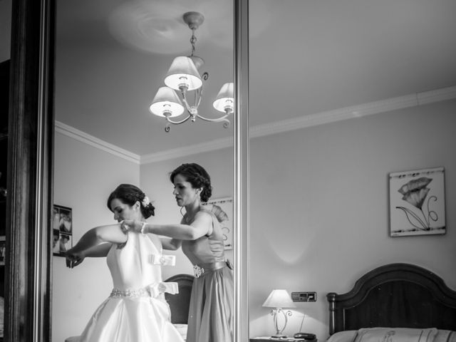 La boda de Martin y Silvia en Bueu (Resto Parroquia), Pontevedra 11