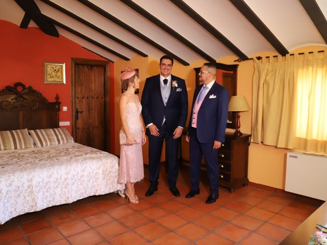 La boda de MARI CARMEN y DARIO en Casas De Fernando Alonso, Cuenca 23
