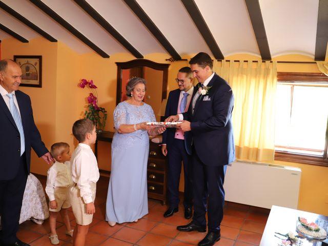 La boda de MARI CARMEN y DARIO en Casas De Fernando Alonso, Cuenca 25