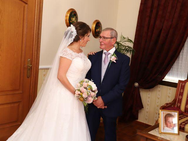 La boda de MARI CARMEN y DARIO en Casas De Fernando Alonso, Cuenca 85