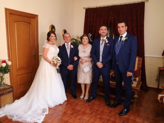 La boda de MARI CARMEN y DARIO en Casas De Fernando Alonso, Cuenca 87