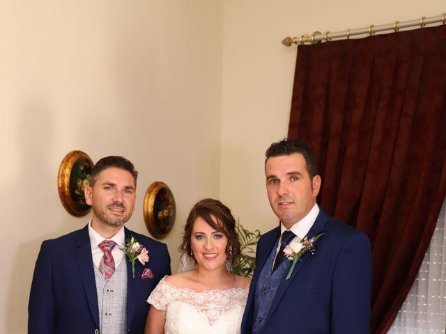 La boda de MARI CARMEN y DARIO en Casas De Fernando Alonso, Cuenca 89