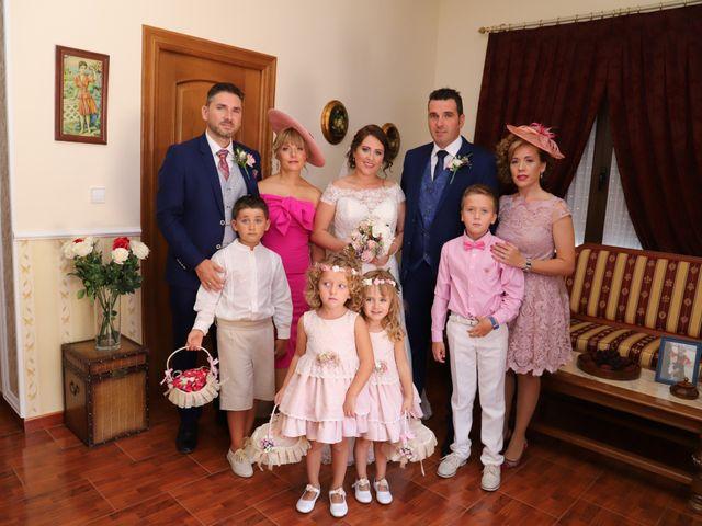 La boda de MARI CARMEN y DARIO en Casas De Fernando Alonso, Cuenca 91