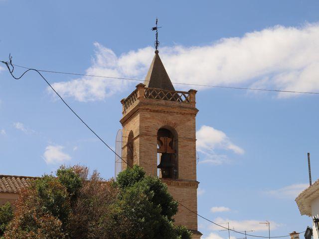 La boda de MARI CARMEN y DARIO en Casas De Fernando Alonso, Cuenca 96
