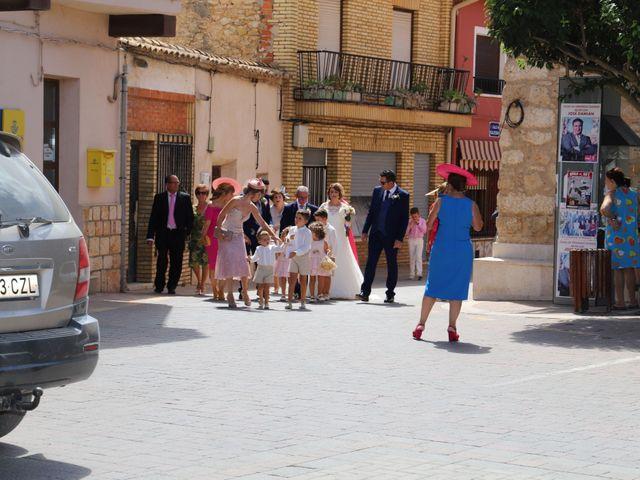 La boda de MARI CARMEN y DARIO en Casas De Fernando Alonso, Cuenca 98