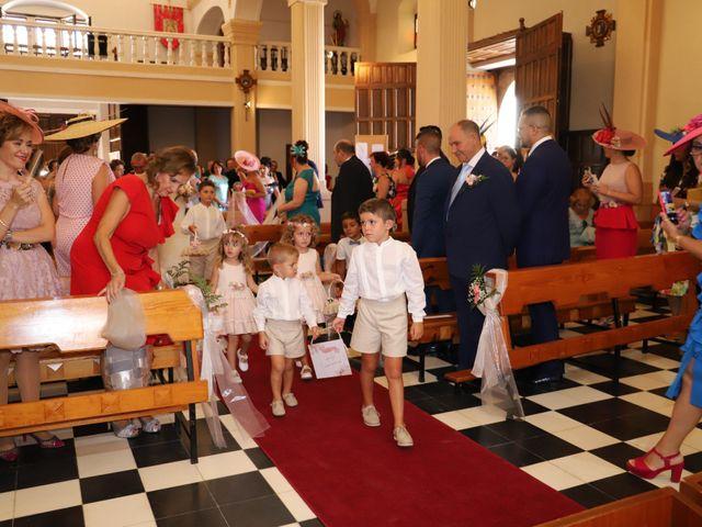 La boda de MARI CARMEN y DARIO en Casas De Fernando Alonso, Cuenca 102