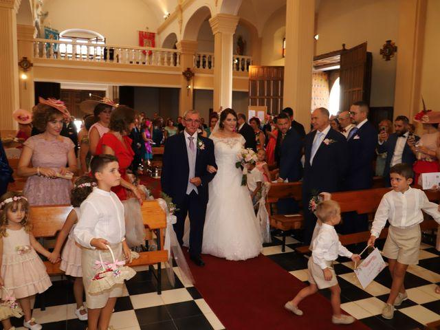 La boda de MARI CARMEN y DARIO en Casas De Fernando Alonso, Cuenca 103
