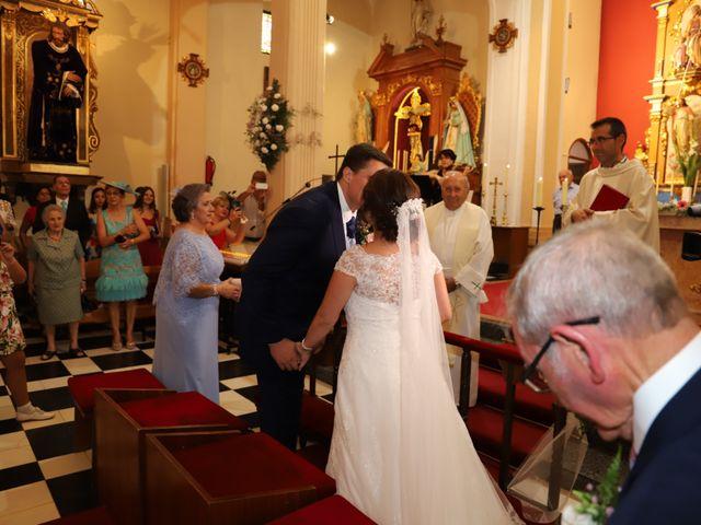 La boda de MARI CARMEN y DARIO en Casas De Fernando Alonso, Cuenca 105