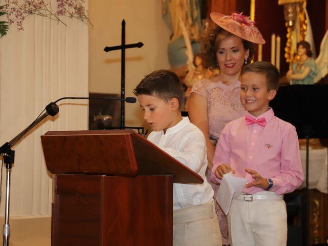 La boda de MARI CARMEN y DARIO en Casas De Fernando Alonso, Cuenca 106