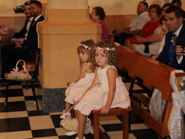 La boda de MARI CARMEN y DARIO en Casas De Fernando Alonso, Cuenca 108