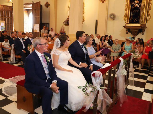 La boda de MARI CARMEN y DARIO en Casas De Fernando Alonso, Cuenca 116