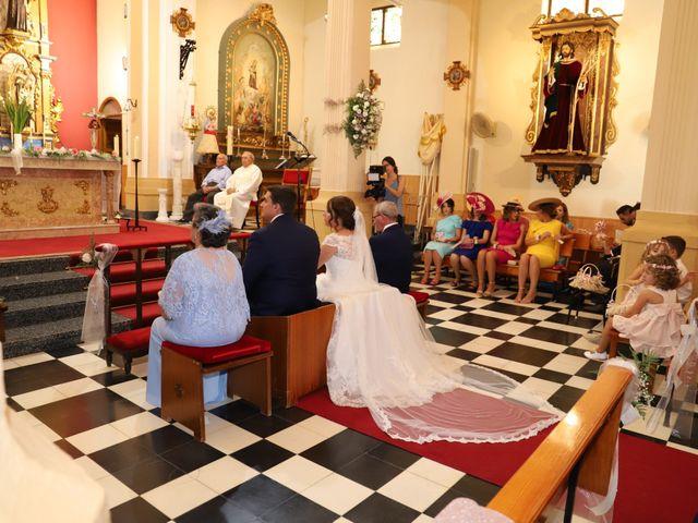 La boda de MARI CARMEN y DARIO en Casas De Fernando Alonso, Cuenca 119