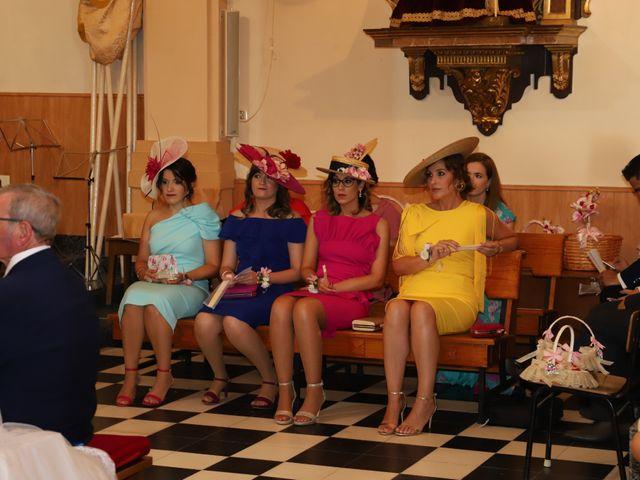 La boda de MARI CARMEN y DARIO en Casas De Fernando Alonso, Cuenca 120