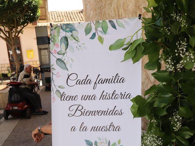 La boda de MARI CARMEN y DARIO en Casas De Fernando Alonso, Cuenca 121