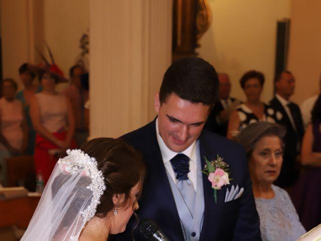 La boda de MARI CARMEN y DARIO en Casas De Fernando Alonso, Cuenca 124