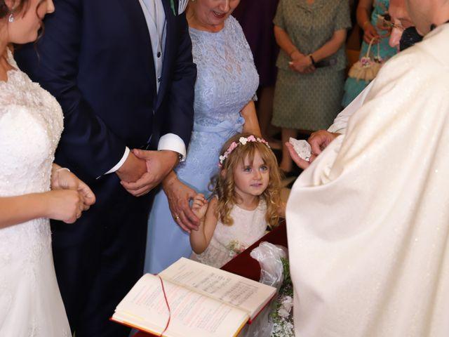 La boda de MARI CARMEN y DARIO en Casas De Fernando Alonso, Cuenca 125