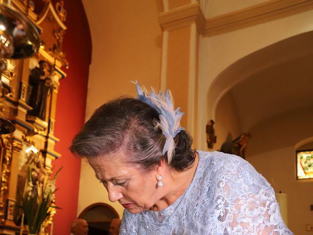 La boda de MARI CARMEN y DARIO en Casas De Fernando Alonso, Cuenca 147