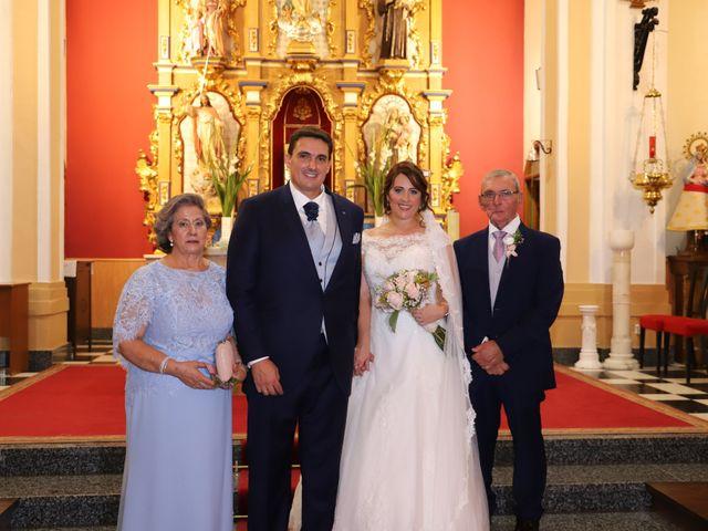 La boda de MARI CARMEN y DARIO en Casas De Fernando Alonso, Cuenca 151