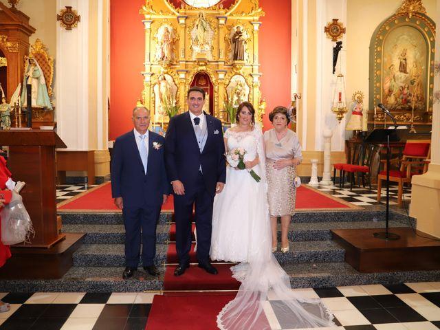 La boda de MARI CARMEN y DARIO en Casas De Fernando Alonso, Cuenca 152