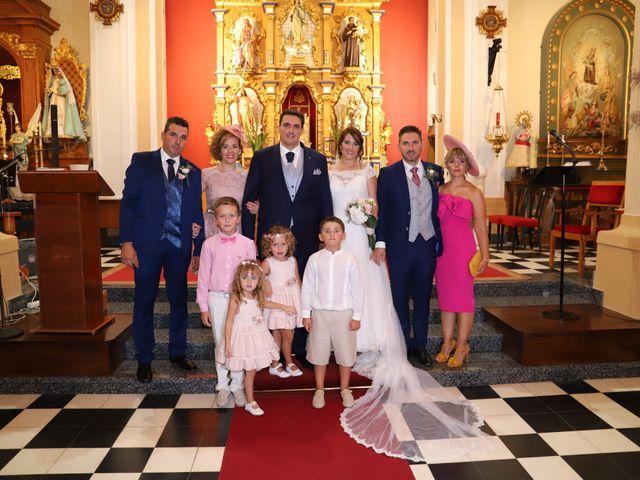 La boda de MARI CARMEN y DARIO en Casas De Fernando Alonso, Cuenca 155