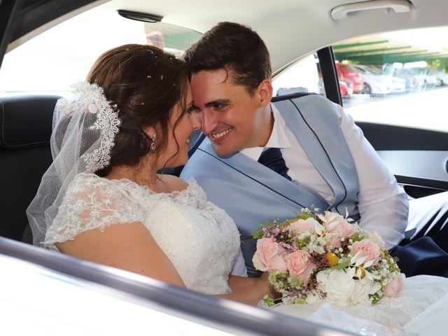 La boda de MARI CARMEN y DARIO en Casas De Fernando Alonso, Cuenca 171