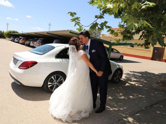 La boda de MARI CARMEN y DARIO en Casas De Fernando Alonso, Cuenca 174