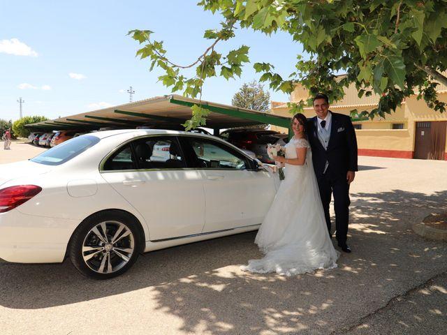 La boda de MARI CARMEN y DARIO en Casas De Fernando Alonso, Cuenca 175