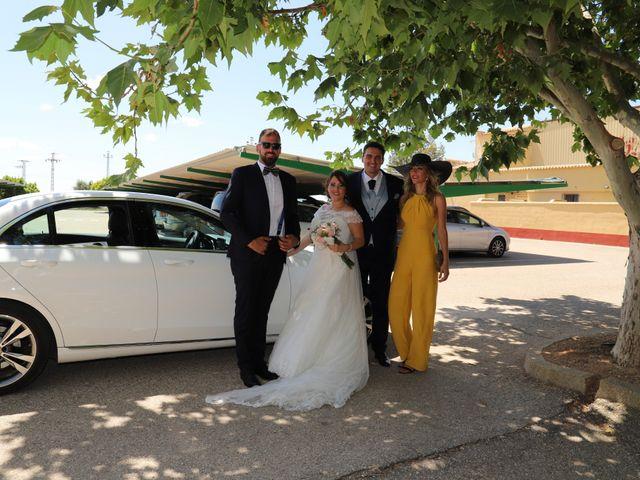 La boda de MARI CARMEN y DARIO en Casas De Fernando Alonso, Cuenca 176
