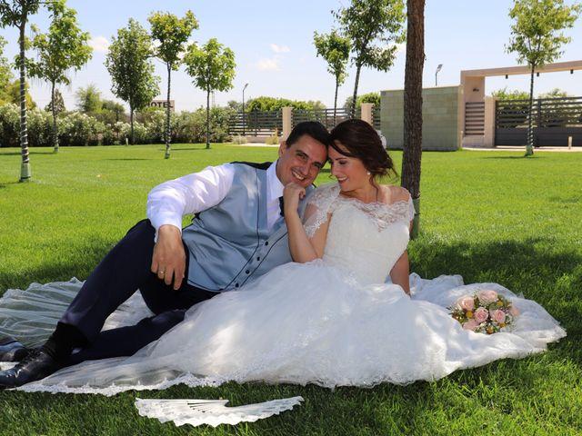 La boda de MARI CARMEN y DARIO en Casas De Fernando Alonso, Cuenca 184