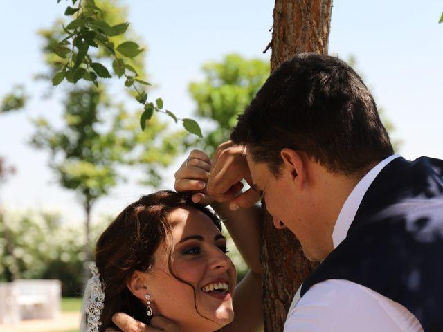 La boda de MARI CARMEN y DARIO en Casas De Fernando Alonso, Cuenca 189