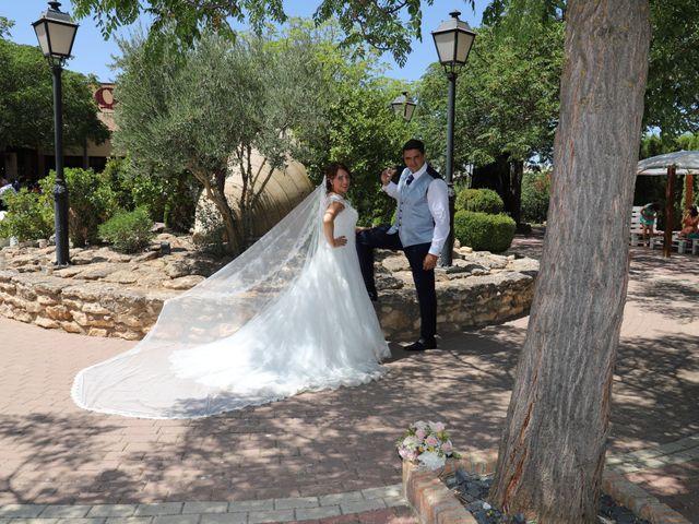 La boda de MARI CARMEN y DARIO en Casas De Fernando Alonso, Cuenca 190