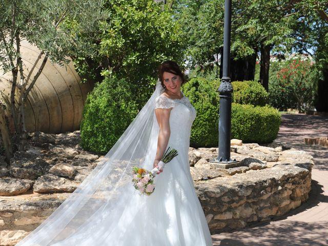 La boda de MARI CARMEN y DARIO en Casas De Fernando Alonso, Cuenca 193
