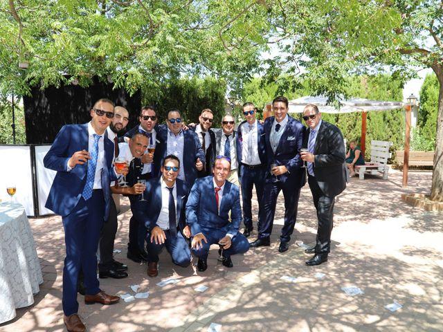 La boda de MARI CARMEN y DARIO en Casas De Fernando Alonso, Cuenca 202