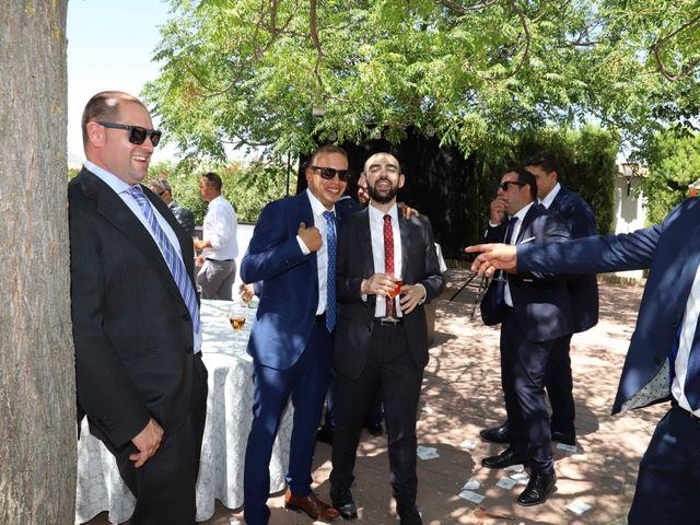 La boda de MARI CARMEN y DARIO en Casas De Fernando Alonso, Cuenca 206