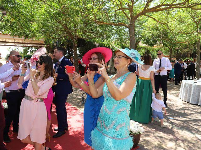 La boda de MARI CARMEN y DARIO en Casas De Fernando Alonso, Cuenca 208