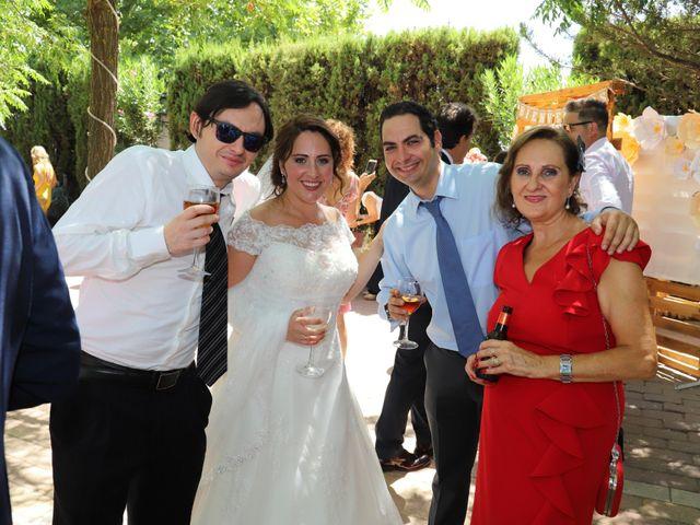 La boda de MARI CARMEN y DARIO en Casas De Fernando Alonso, Cuenca 211