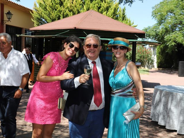 La boda de MARI CARMEN y DARIO en Casas De Fernando Alonso, Cuenca 218