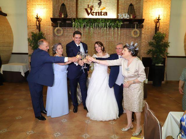 La boda de MARI CARMEN y DARIO en Casas De Fernando Alonso, Cuenca 224
