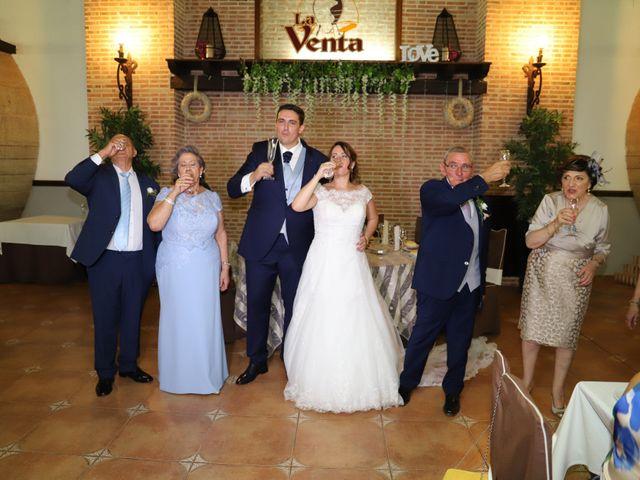 La boda de MARI CARMEN y DARIO en Casas De Fernando Alonso, Cuenca 225