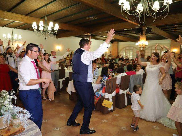 La boda de MARI CARMEN y DARIO en Casas De Fernando Alonso, Cuenca 231