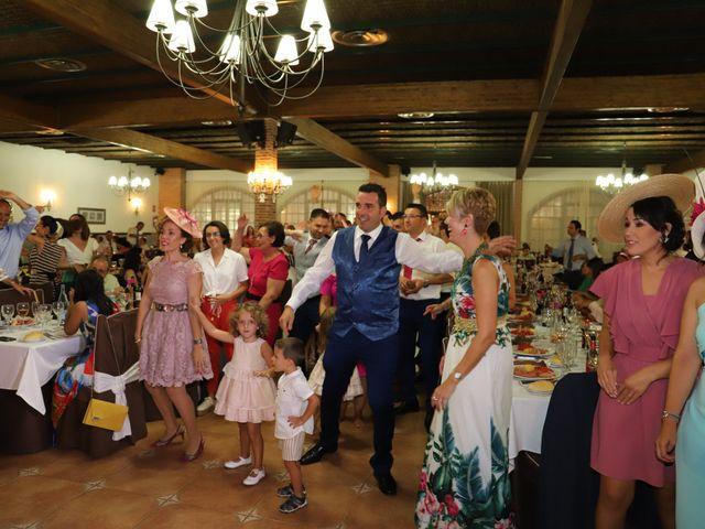 La boda de MARI CARMEN y DARIO en Casas De Fernando Alonso, Cuenca 237