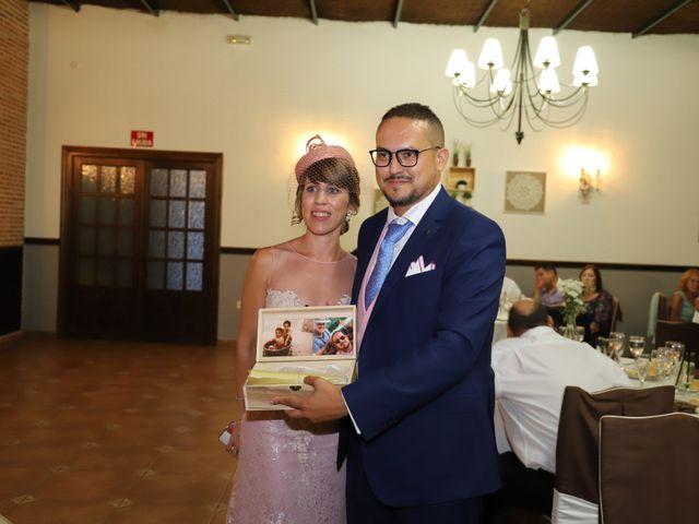 La boda de MARI CARMEN y DARIO en Casas De Fernando Alonso, Cuenca 257