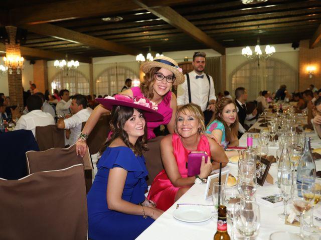 La boda de MARI CARMEN y DARIO en Casas De Fernando Alonso, Cuenca 282