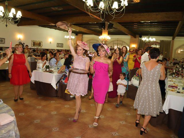La boda de MARI CARMEN y DARIO en Casas De Fernando Alonso, Cuenca 287