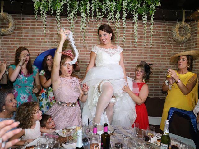 La boda de MARI CARMEN y DARIO en Casas De Fernando Alonso, Cuenca 290
